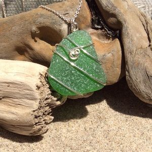 Jewelry - SEAGLASS NECKLACE Kelly Green Wire-wrapped